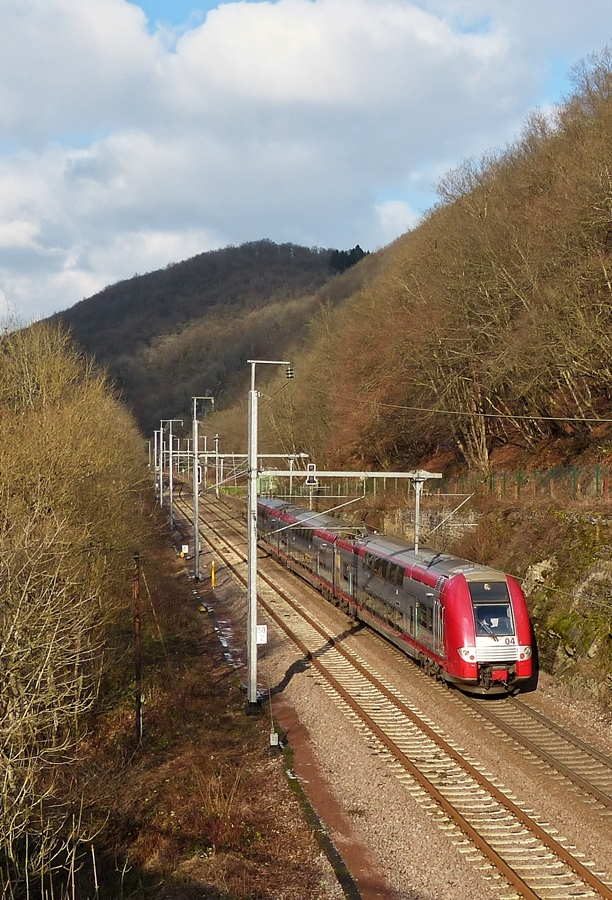 . Z 2204 as RE 3812 Luxembourg City - Troisvierges photographed between Goebelsmühle and Kautenbach on January 20th, 2015.