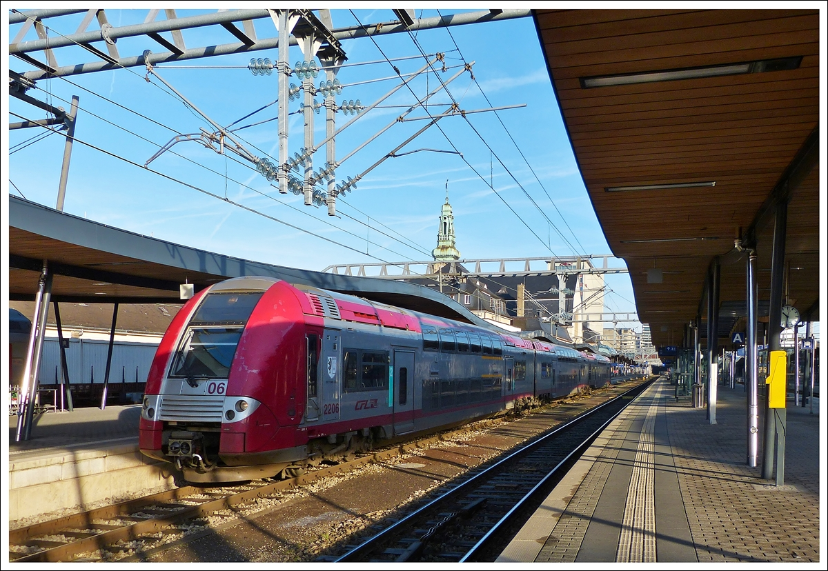 . Z 2206 is leaving the station of Luxembourg City on December 16th, 2013.