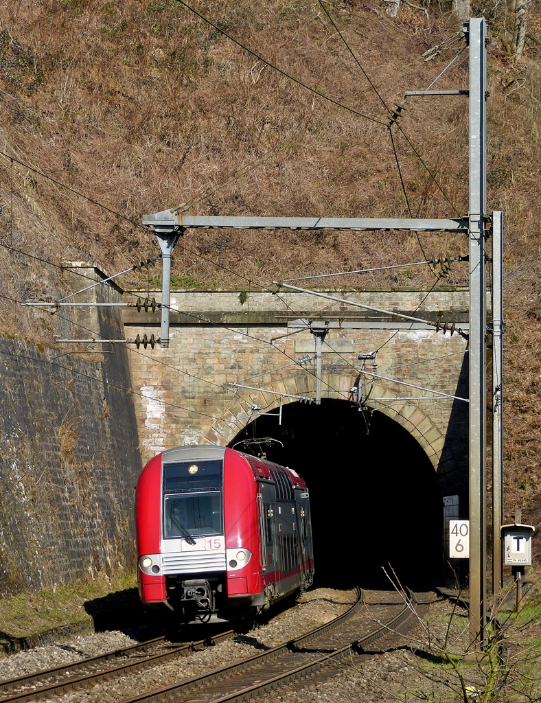 . Z 2215 is leaving the tunnel in Cruchten on March 10th, 2014.