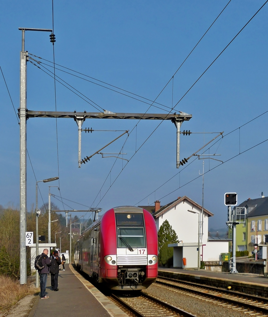 . Z 2217 is entering into the station of Wilwerwiltz on March 7th, 2014.