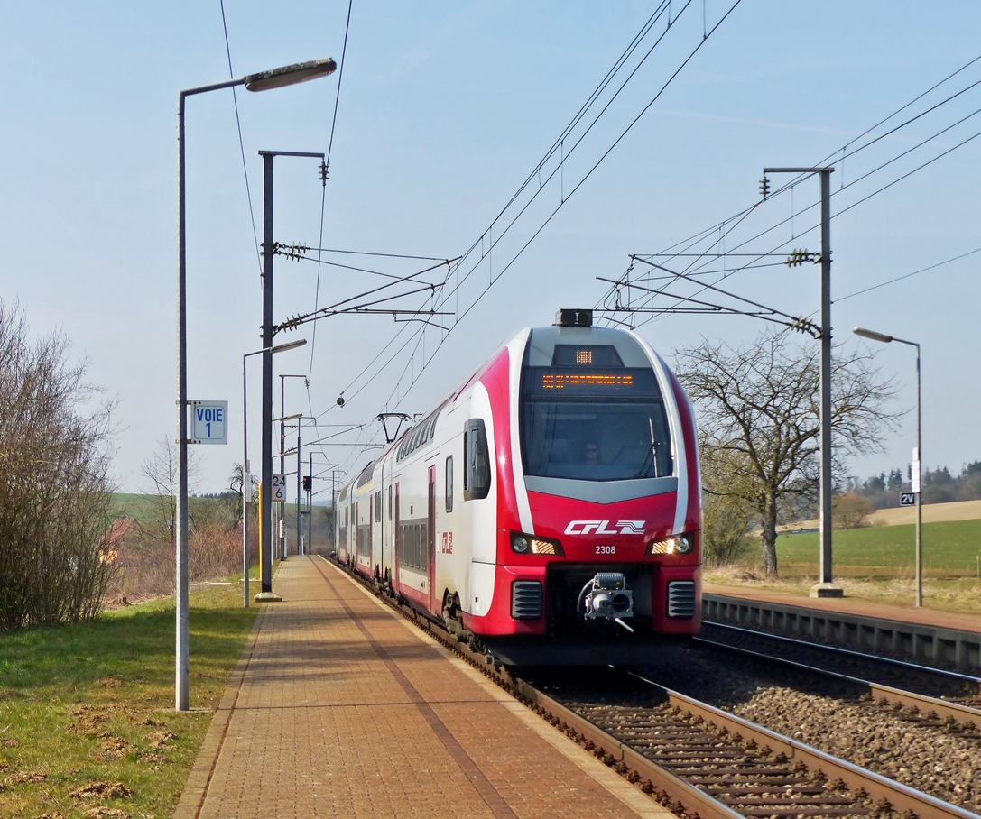 . Z 2308 is running through the stop Betzdorf on March 18th, 2015.