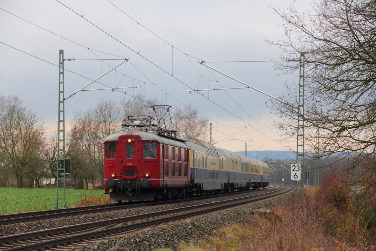 10019 CBB with a  Rheingold  near Staffelstein 08/12/2013