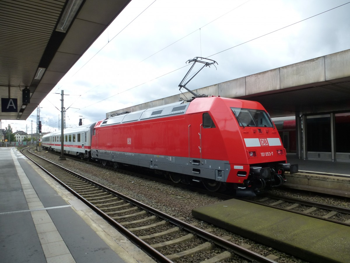 101 053-7 is leaving Hannover main station on August 19th 2013.