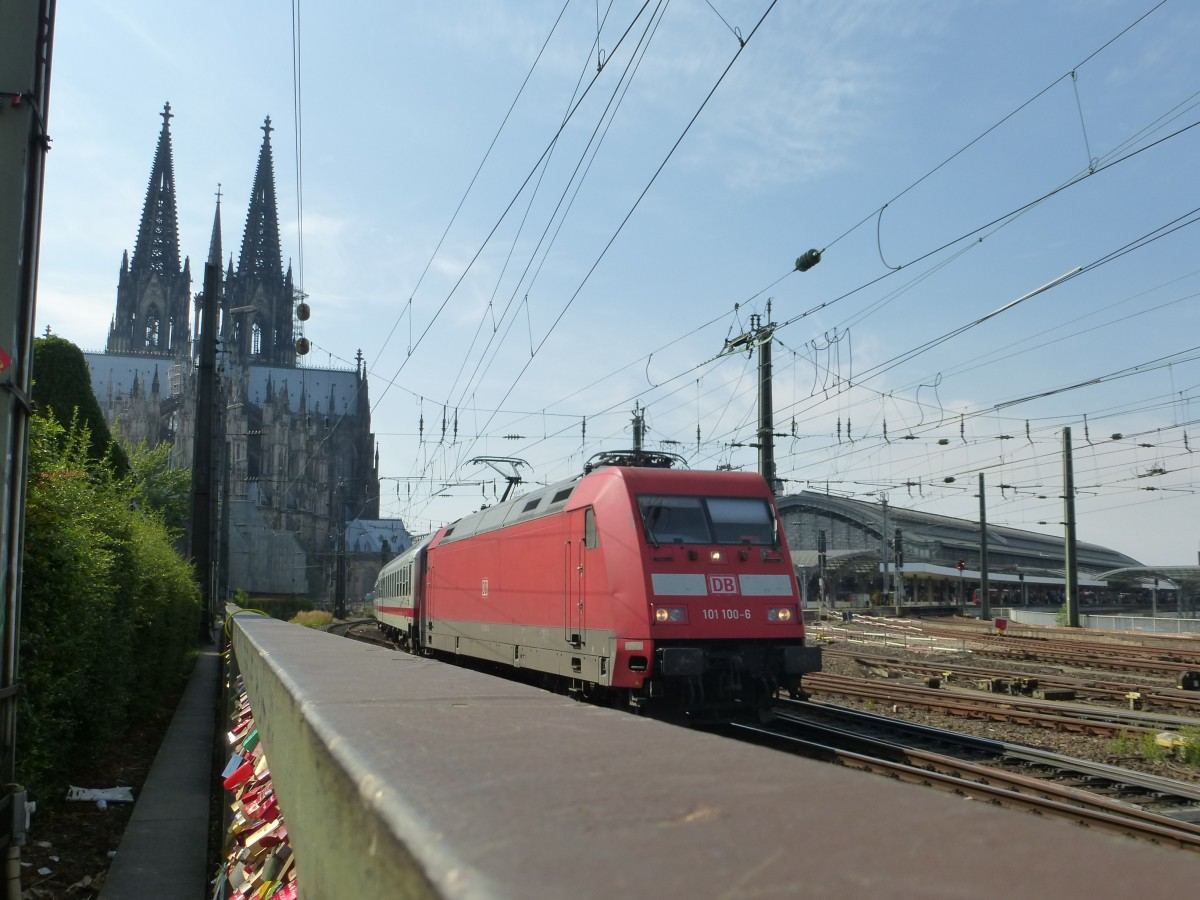 101 100-6 is driving between the main station and the Hohenzollernbridge in Cologne on August 21st 2013.