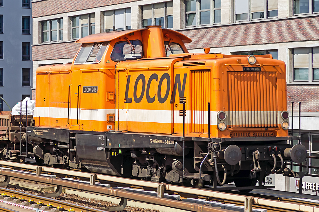 212 095-4 ( 92 80 1212 095-4 D-LOCON ), ex V100 2095, built by Maschinenbau Kiel GmbH, Kiel (MaK) in 1964, serial number 1000231, owned and operated by LOCON LOGISTIK & CONSULTING AKTIENGESELLSCHAFT, Oberuckersee; Berlin-Alexanderplatz 2014-08-20