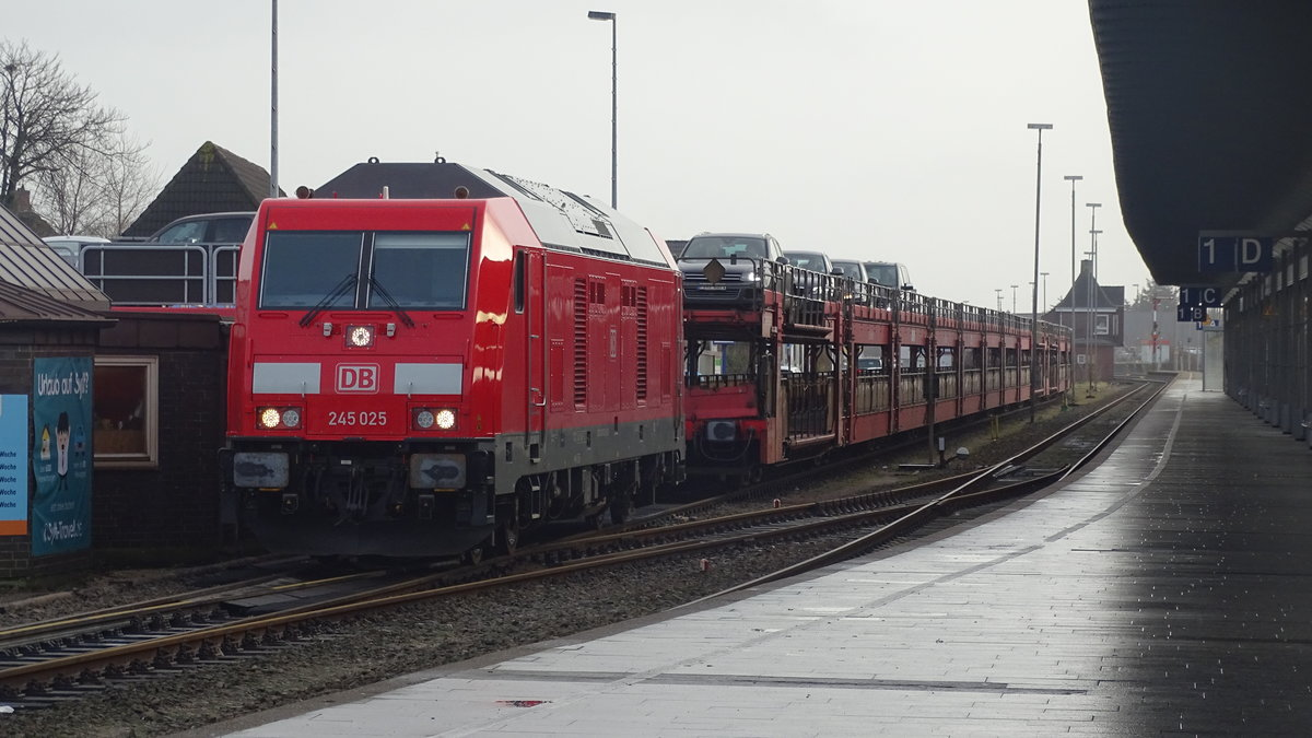 245 025 with a SyltShuttle in Westerland (Sylt). Taken in december 2016.