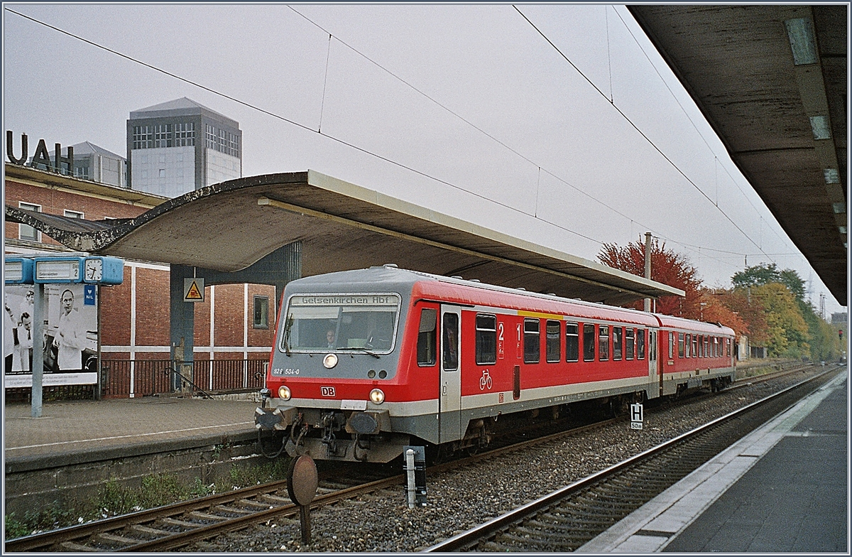 A DB VT 628 to Gelsenkirchen by his stop in Bochum. 