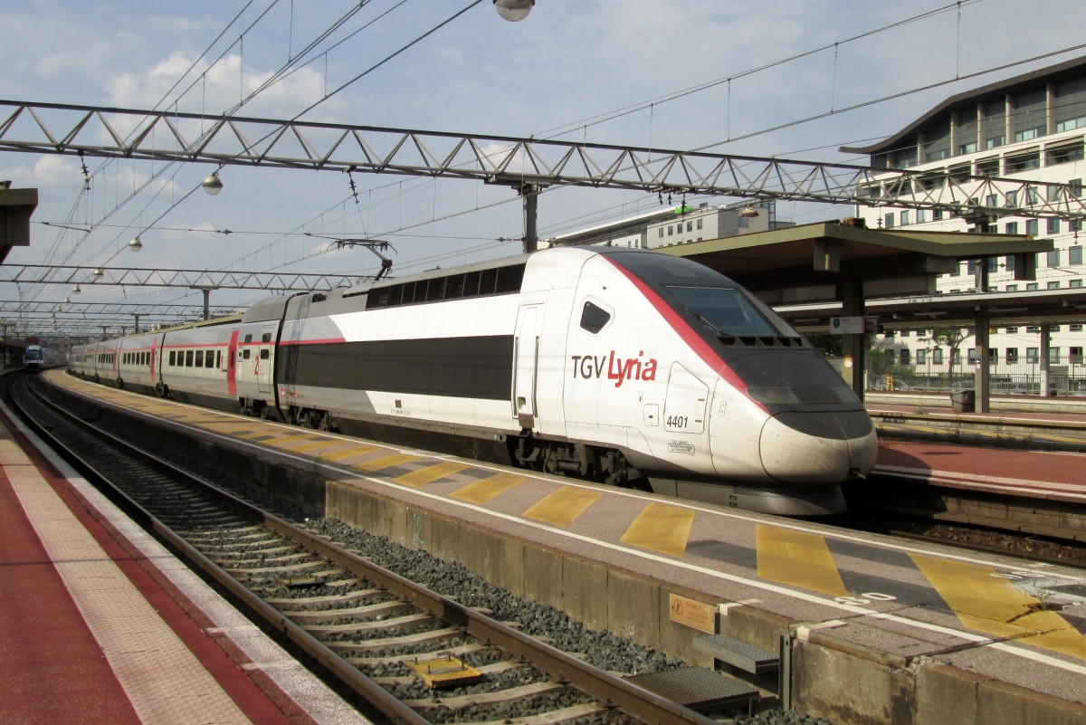 tgv history Picures of the history of the tgv (1955-1991) :the most speed train on railway.