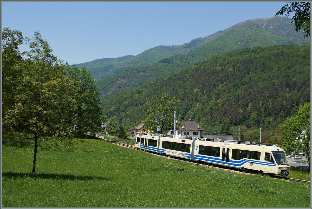 A FART Centovalli Express (CEX) on the way from Domodossola to Locarno by Gagnone-Orcesco.
