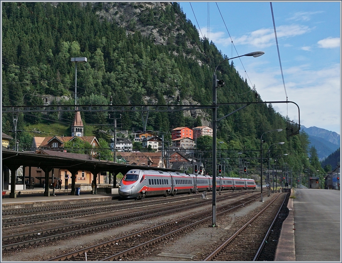 A FS ETR 610 on the way from Luzern to Milan in Göschenen.