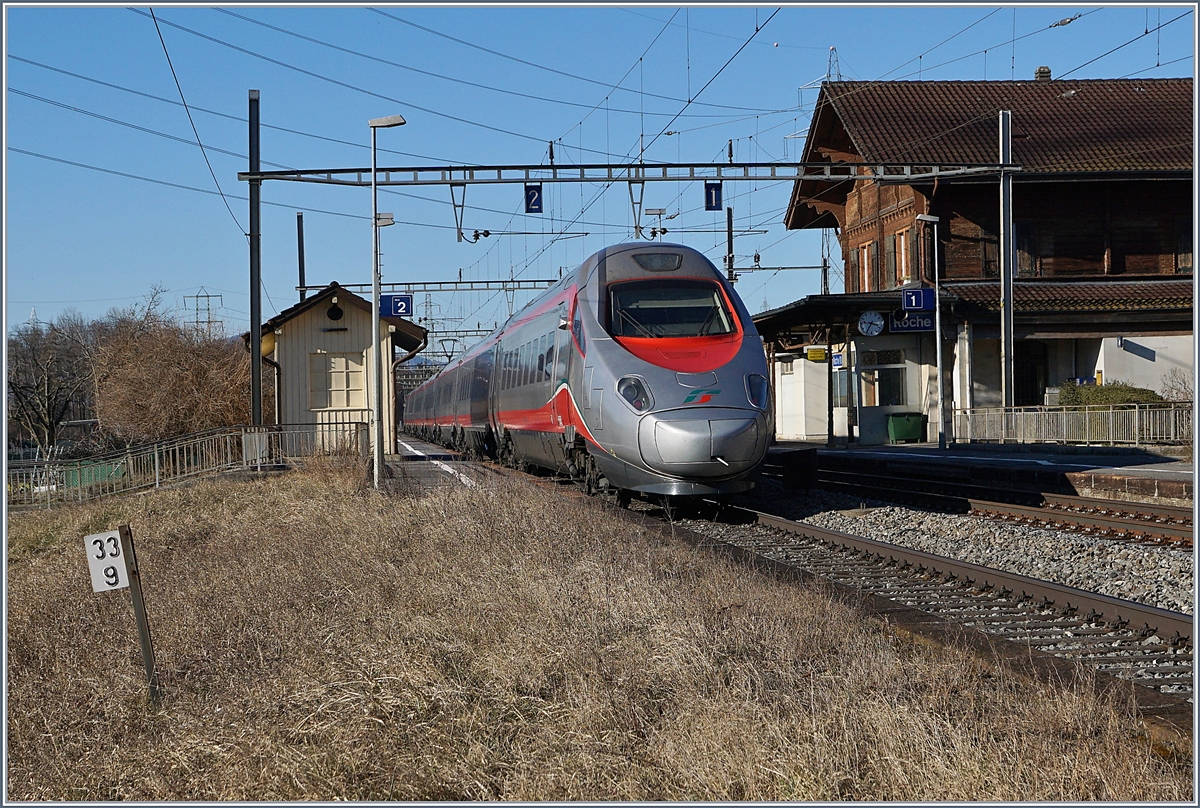 A FS ETR 610 on the way to Lausanne by Roches VD. 