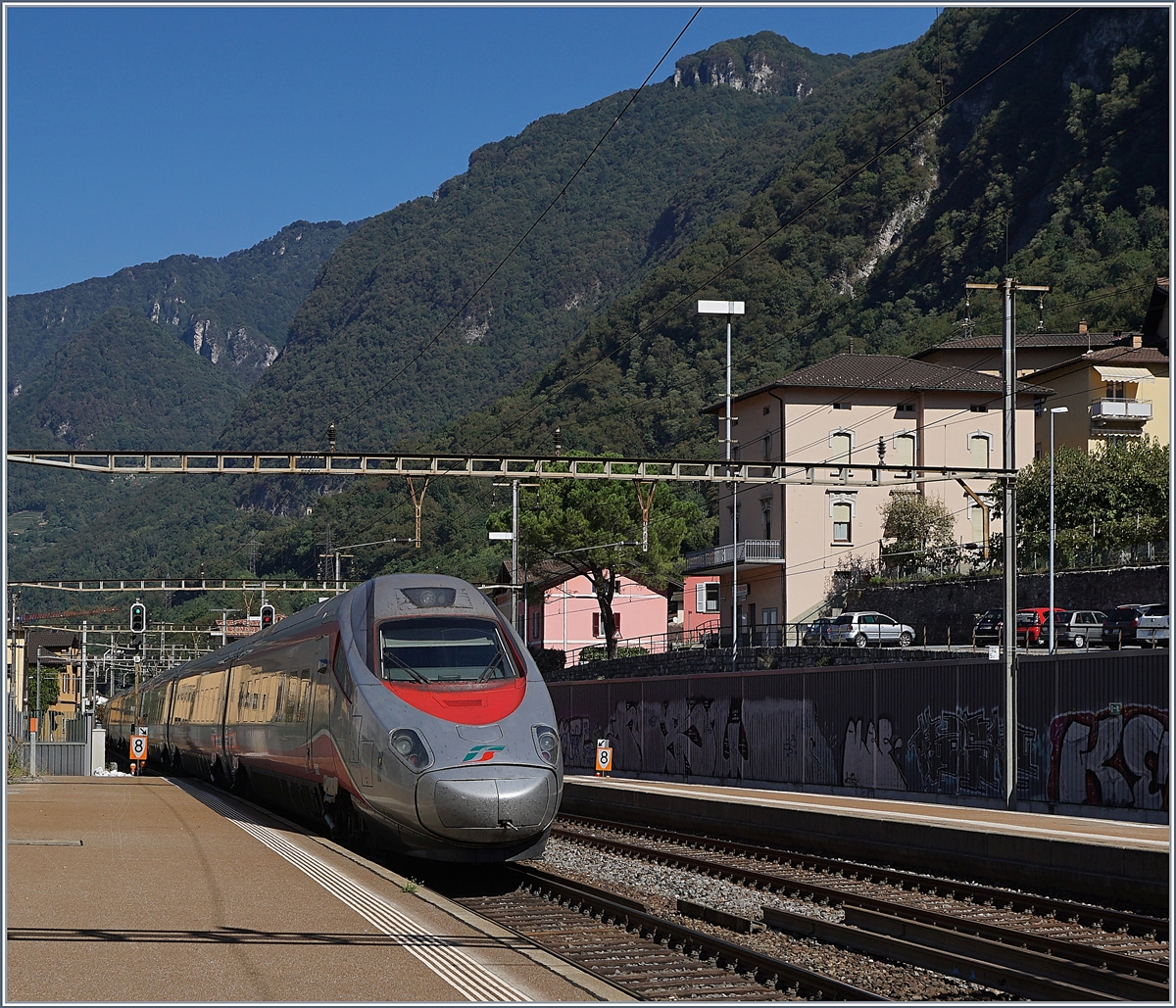 A FS Trenitaila ETR 610 on the way to Zürich in Capolago Riva San Vitale-
