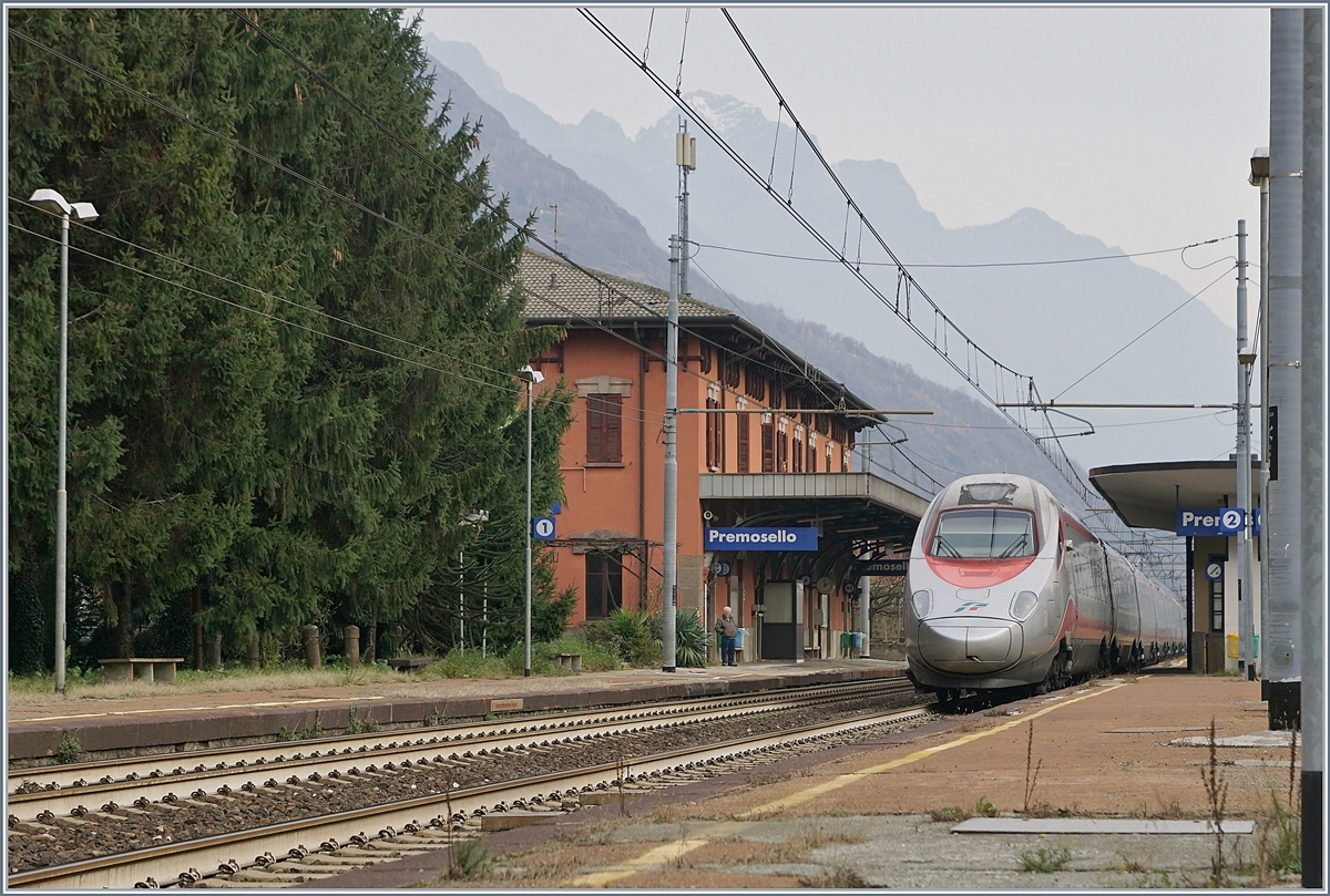 A FS Trenitalia ETR 610 on the way to Geneva in Premosello-Chiavenda.29.11.2018