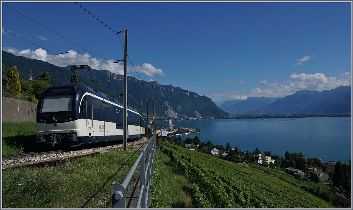 A MOB Alpina Train on the way to Montreux near Châtelard VD.