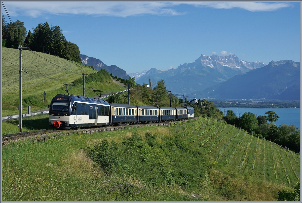 A MOB Belle Epoque service from Montreux to Zweisimmen by Planchamp. 