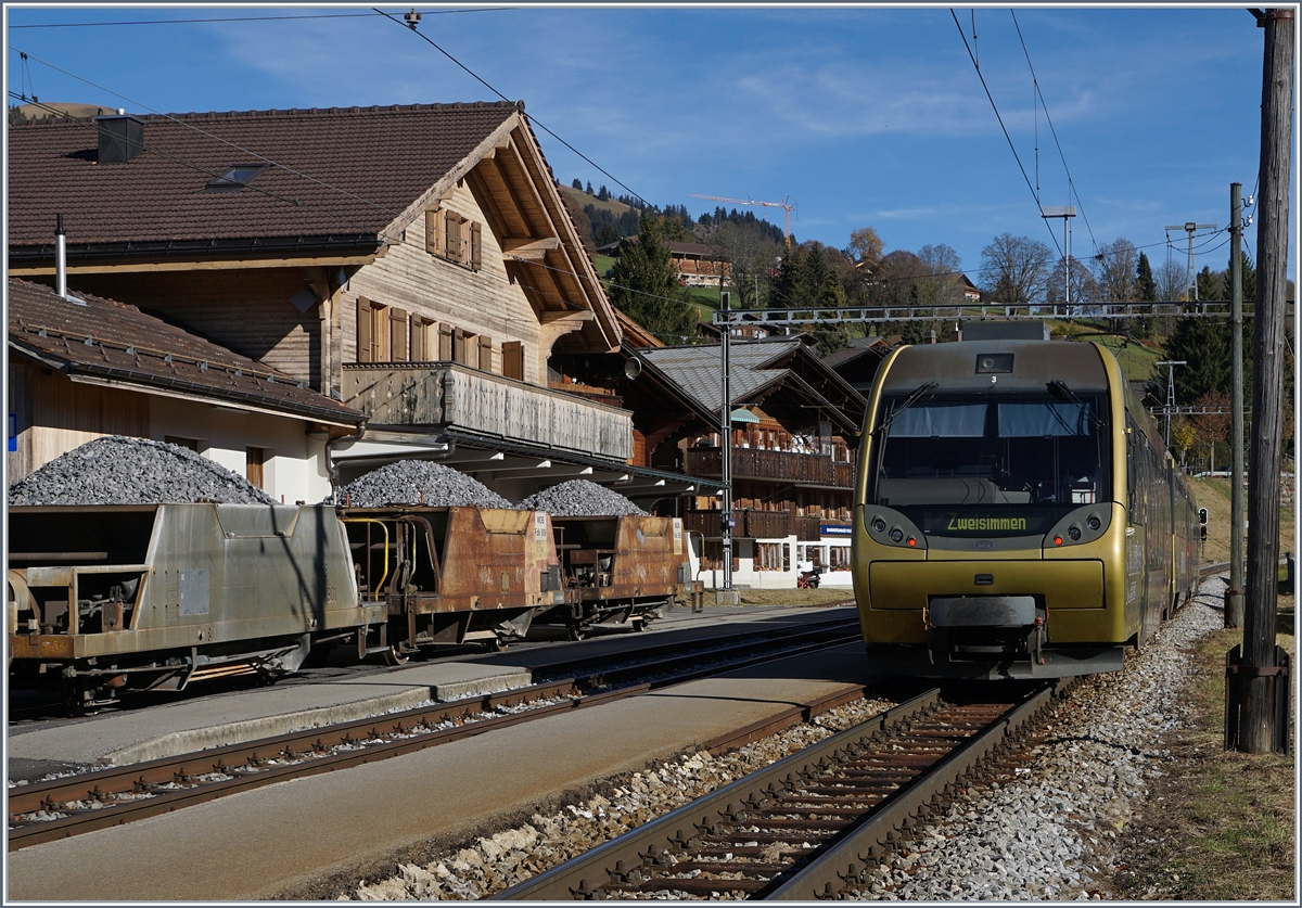 A MOB loacl train from Rougemont to Zweisimmen by his stop in Schönried.