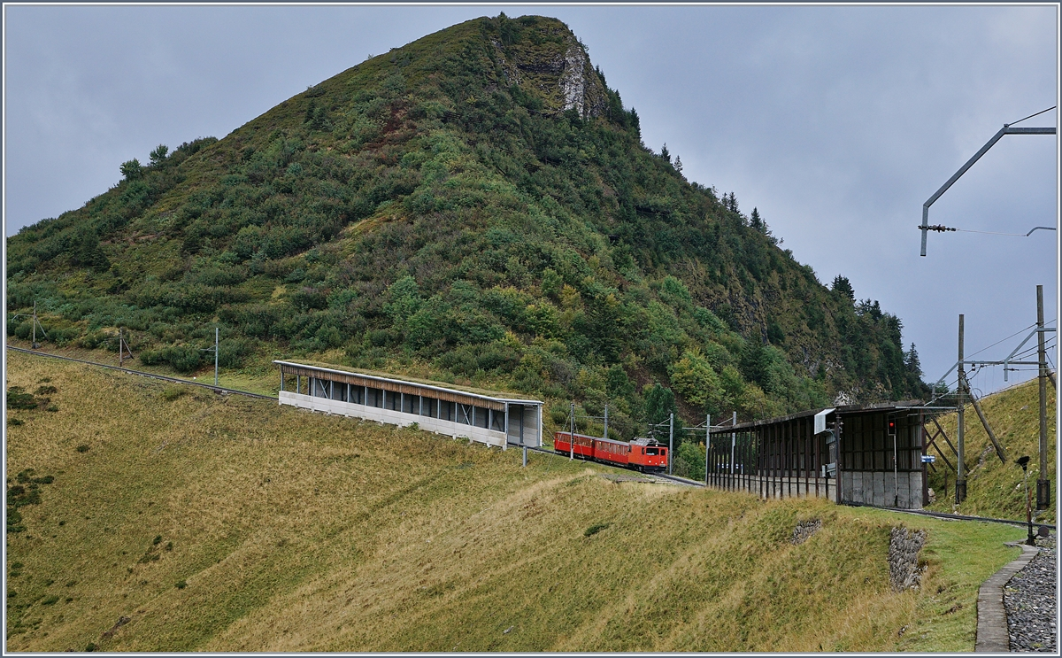 A Rochers de Naye Hem 2/2 with  Belle Epoque  Train by Jaman. 
