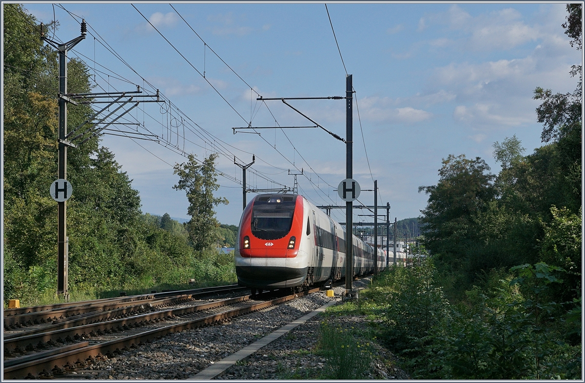 A SBB ICN on the way to Lausanne in Vufflens la Ville.