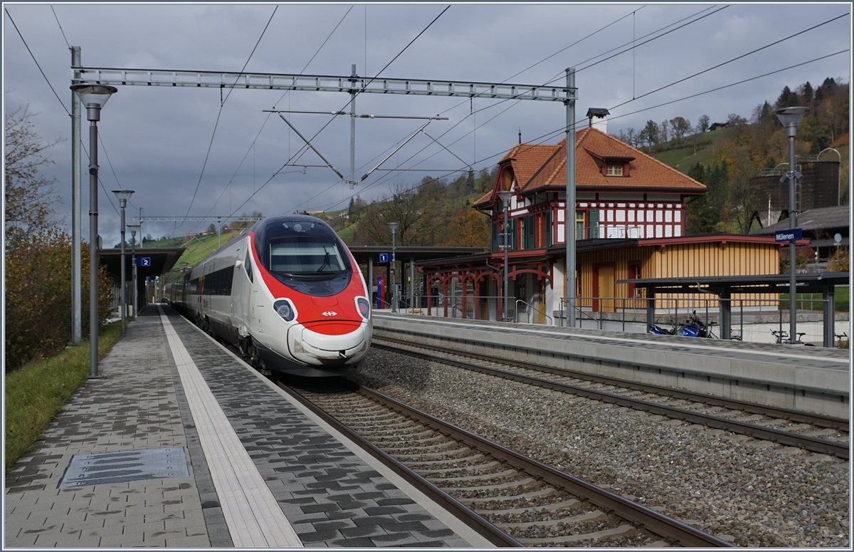 A SBB RABe 503 ETR 610 on the way to Basel in Mülenen.