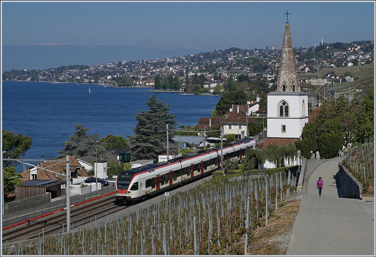 A SBB RABe 511 on the way to Vevey by Villette. (VD).