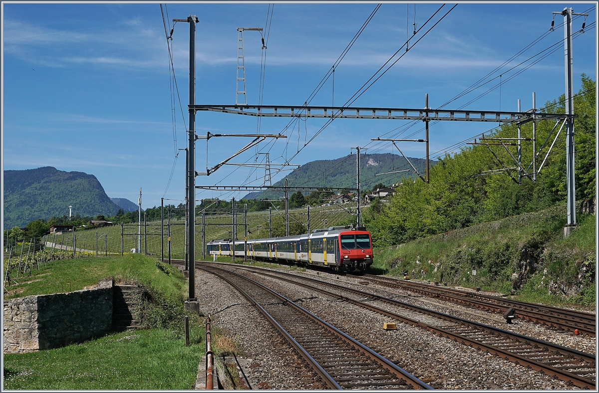 A SBB RABe 561 on the way from Frasne to Neuchatel (TGV Link) by Auvernier.