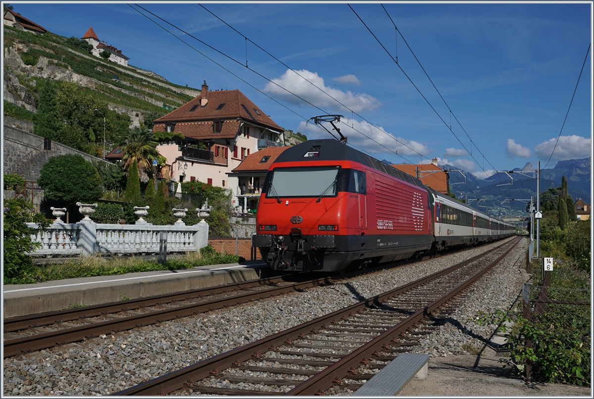 A SBB Re 460 with an IR to Brig by St Saphorin. 26.08.2018