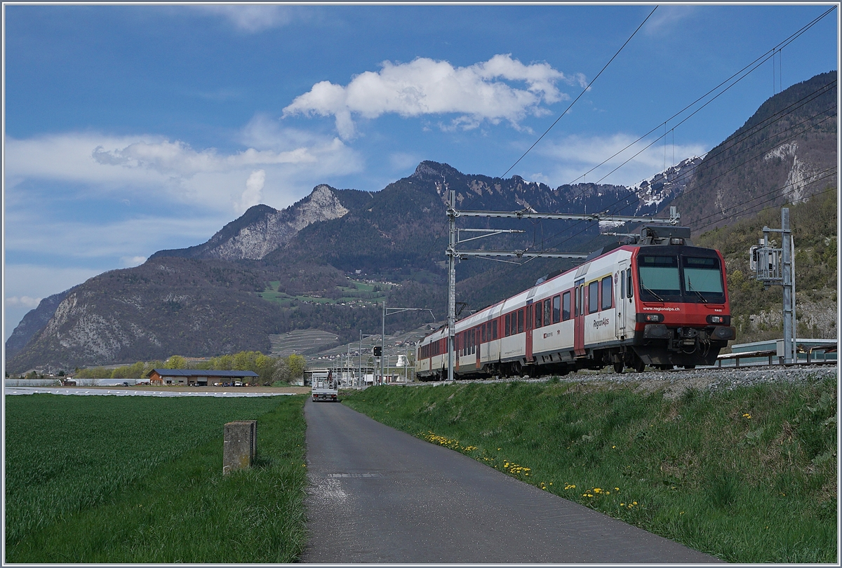 A SBB RegioAlps RBDe 560 on the way to Aigle near his Destination.