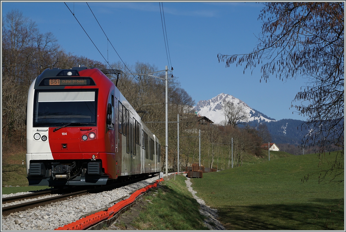 A TPF local train to Chatel St Denis near Remaufens.