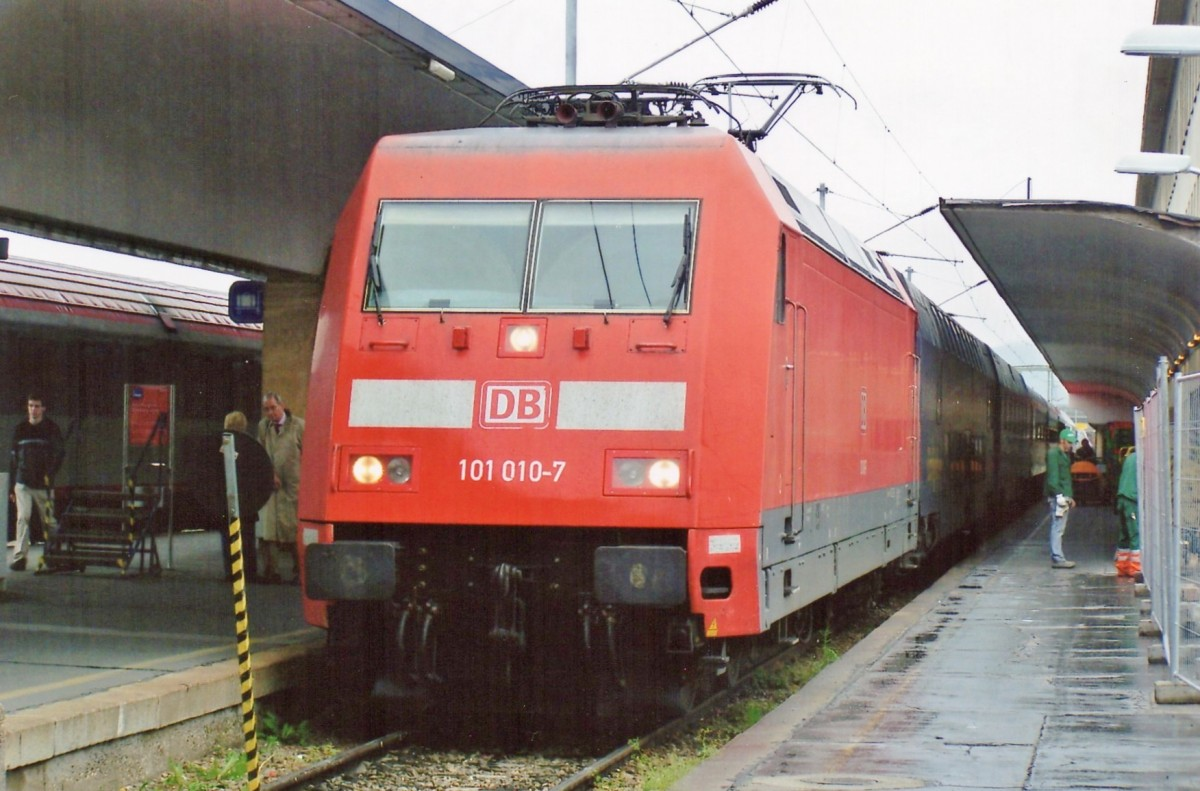CNL with 101 010 has ended her journey at Wien West on 22 May 2005.