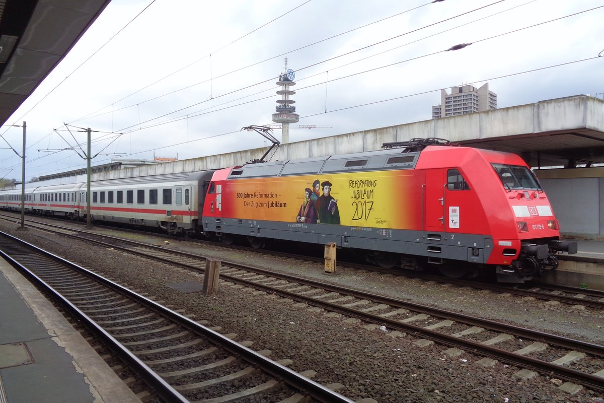 DB 101 119 stands in Hannover Hbf on 9 April 2017.
