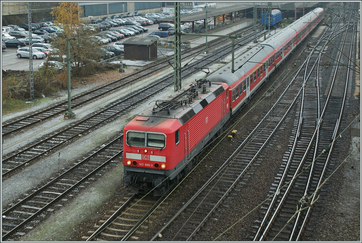 DB 143 880-3 with a RB to Geisslingen (Steige) in Ulm.