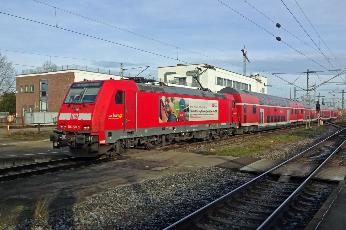 DB advertiser 146 220 quits Offenburg with an RE to Basel Badischer Bahnhof on 3 January 2020.