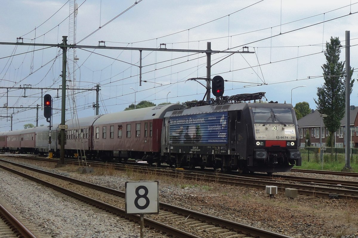 EETC Autoslaaptrein with TX 189 281 enters Zevenaar on 31 August 2014.