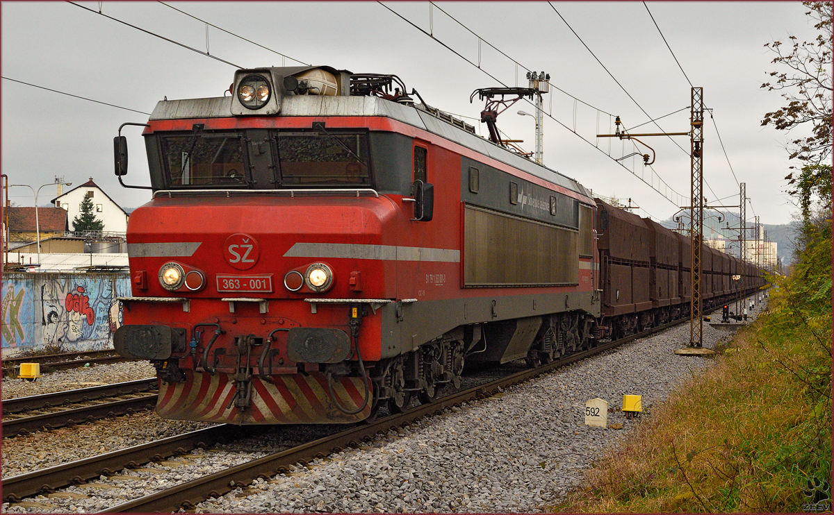 Electric loc 363-001 pull ore train through Maribor-Tabor on the way to Koper port. /17.11.2014