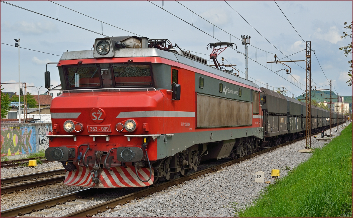Electric loc 363-009 pull freight train through Maribor-Tabor on the way to Koper port. /23.4.2014