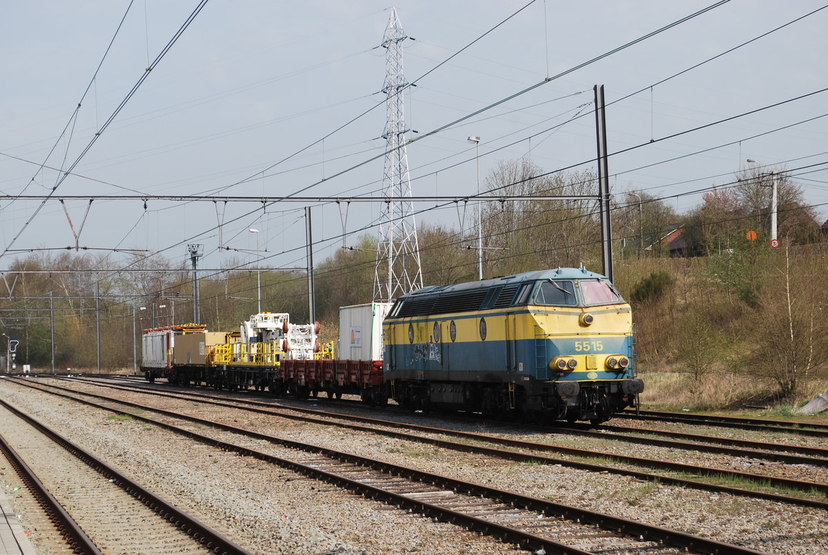 Engineering train on siding in Welkenraedt in April 2015.