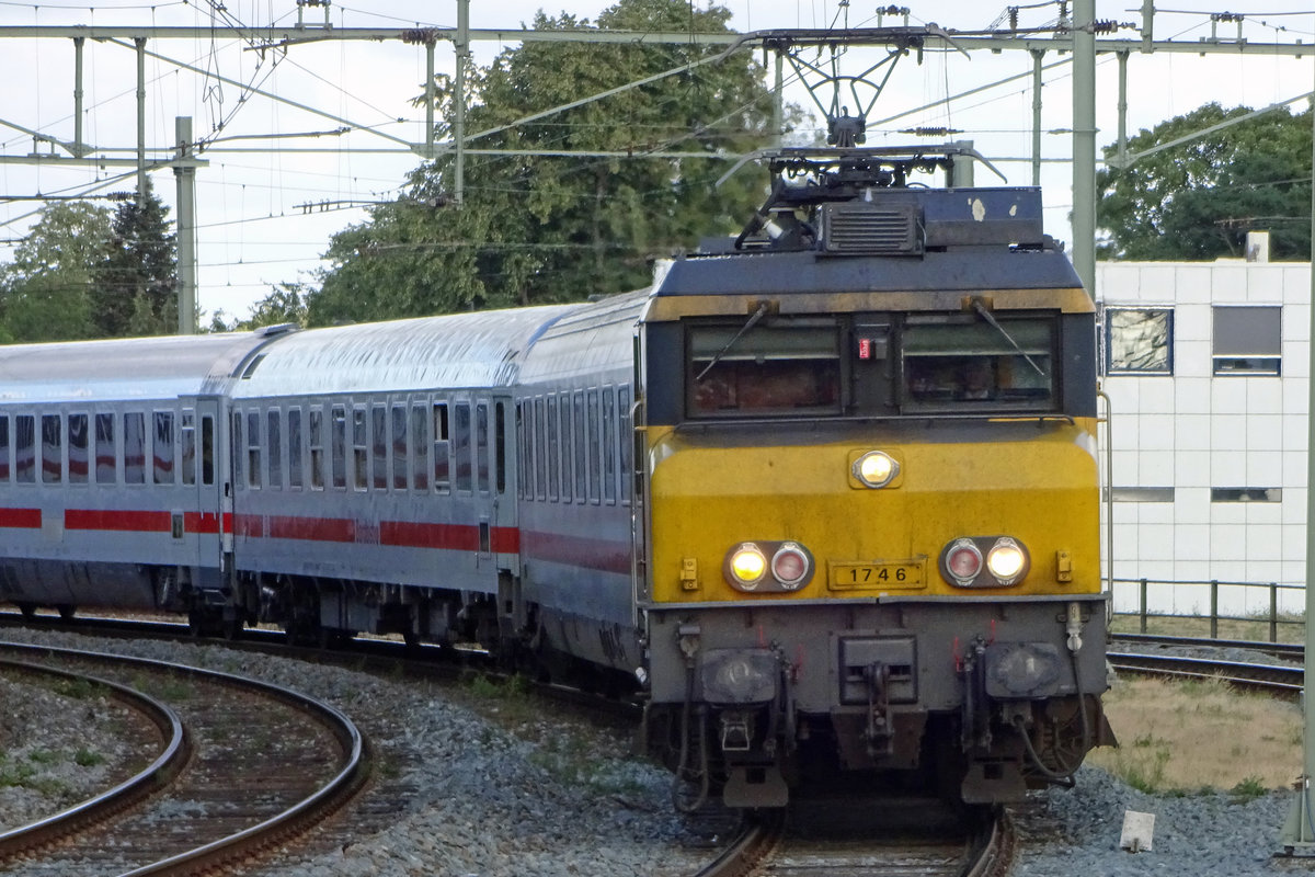 Head on for 1746 entering Hengelo on 15 July 2019 with an IC from Berlin Hbf.