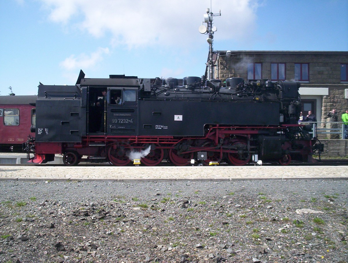 HSB 99-7232 at Brocken Station, May 2013.