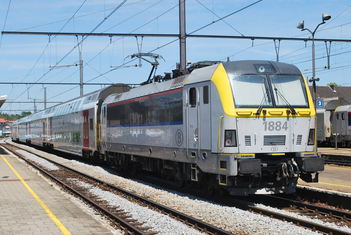 IC train to Knokke/Blankenberge waiting for departure in Tongeren, June 2014.