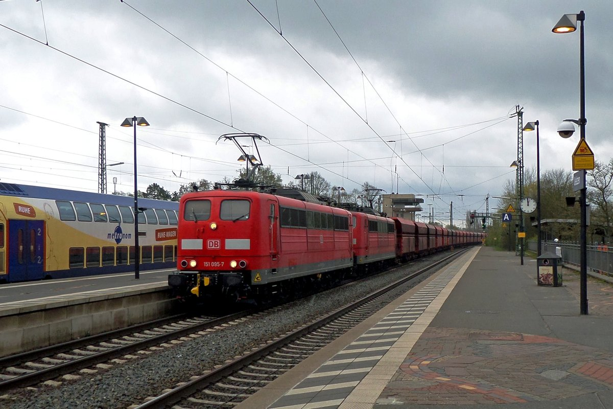 Iron ore train with 151 095 as the first of a double header passes through Uelzen toward Hamburg on 29 April 2016.