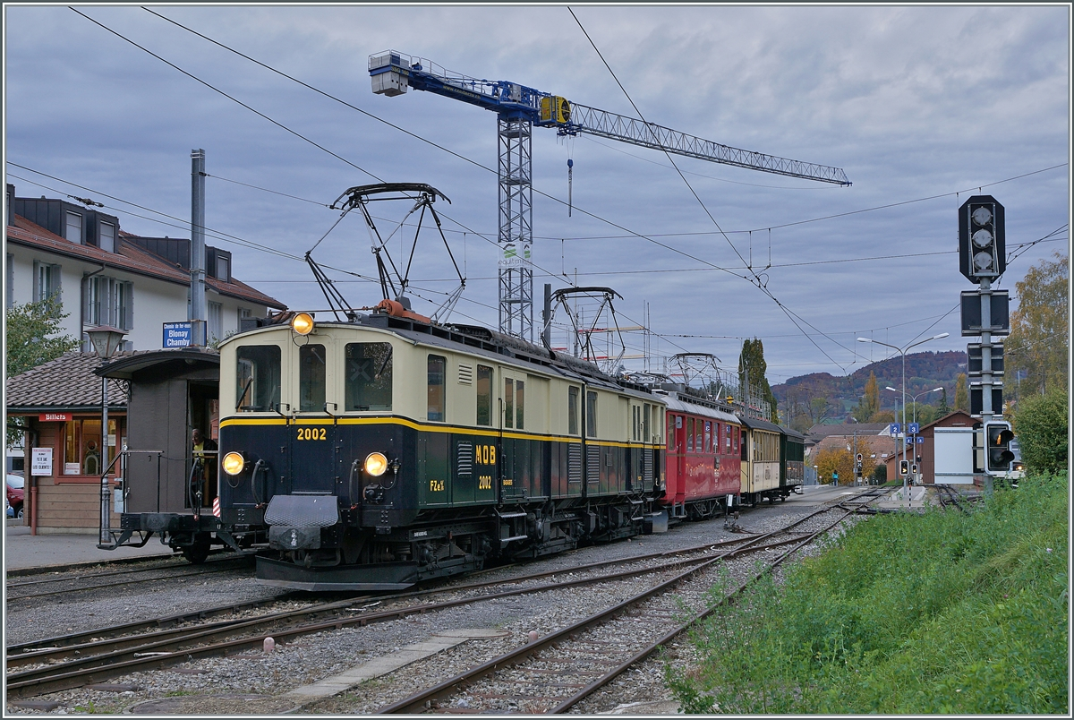LA DER 2020 by the Blonay-Chamby: The Blonay-Chamby MOB FZe 6/6 N° 2002 and the RhB ABe 4/4 I N° 35 with the Riviera Belle Epoque Express in Blonay. 