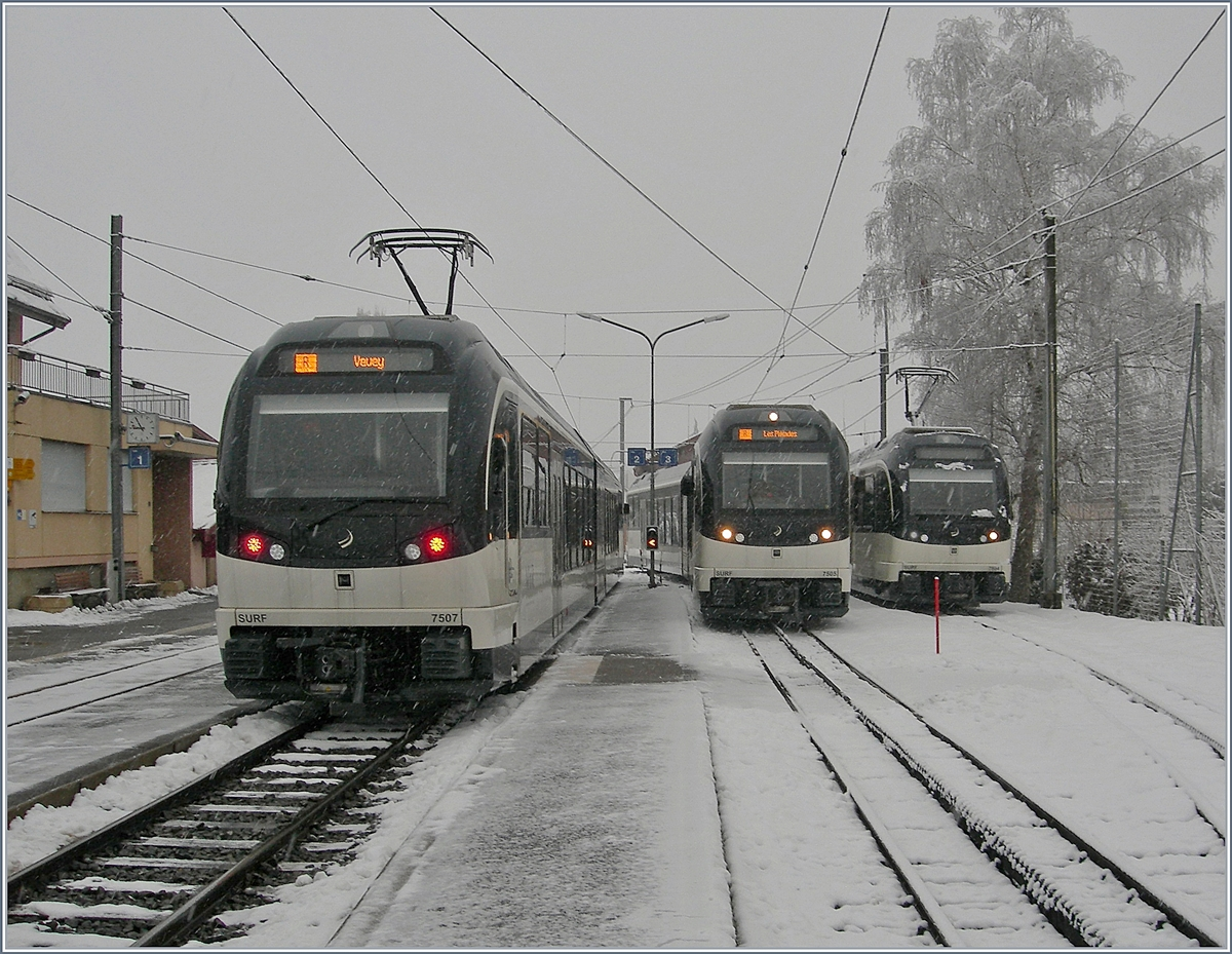 MVR ABeh 2/6 7507, 7505 and 7504 in Blonay.
