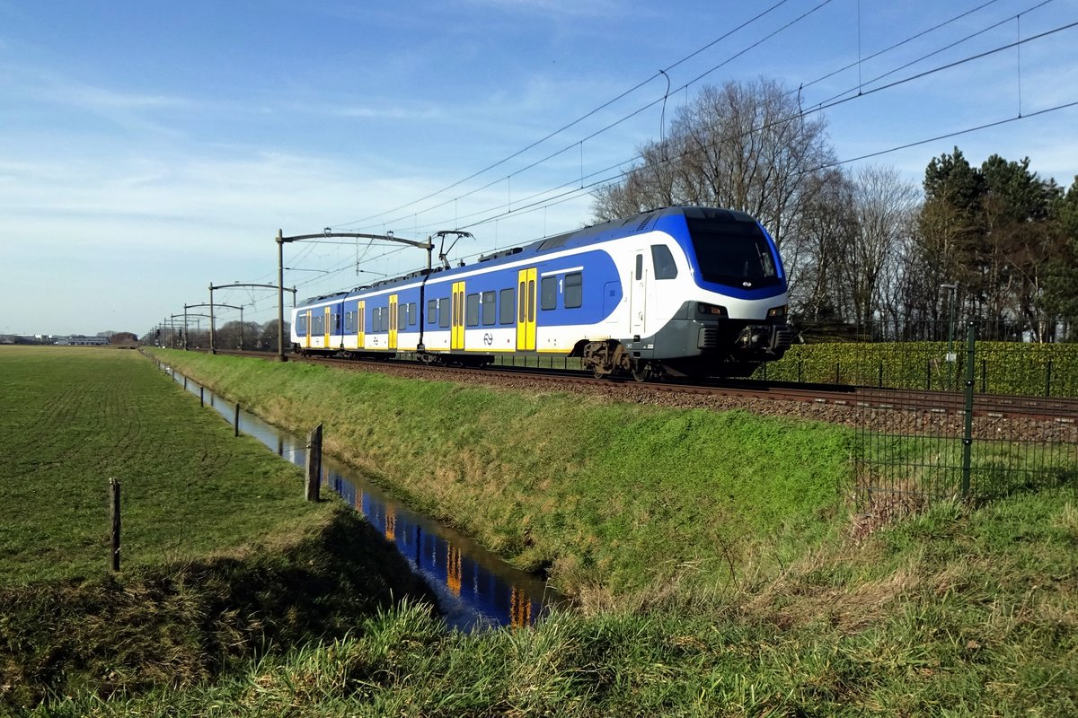 NS 2232 speeds through Hulten on 21 February 2021.