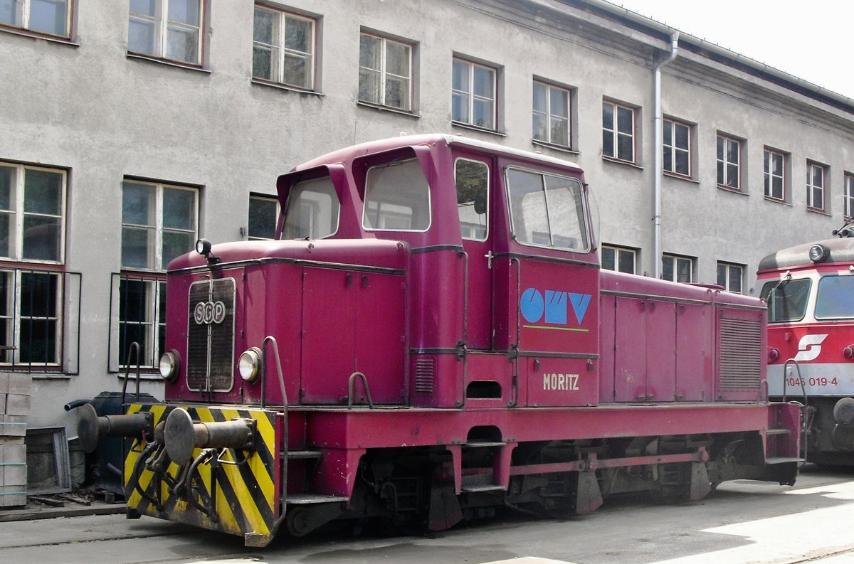 ÖMV shunter 'MORITZ' stands at the Heizhaus Strasshof on 28 May 2012.