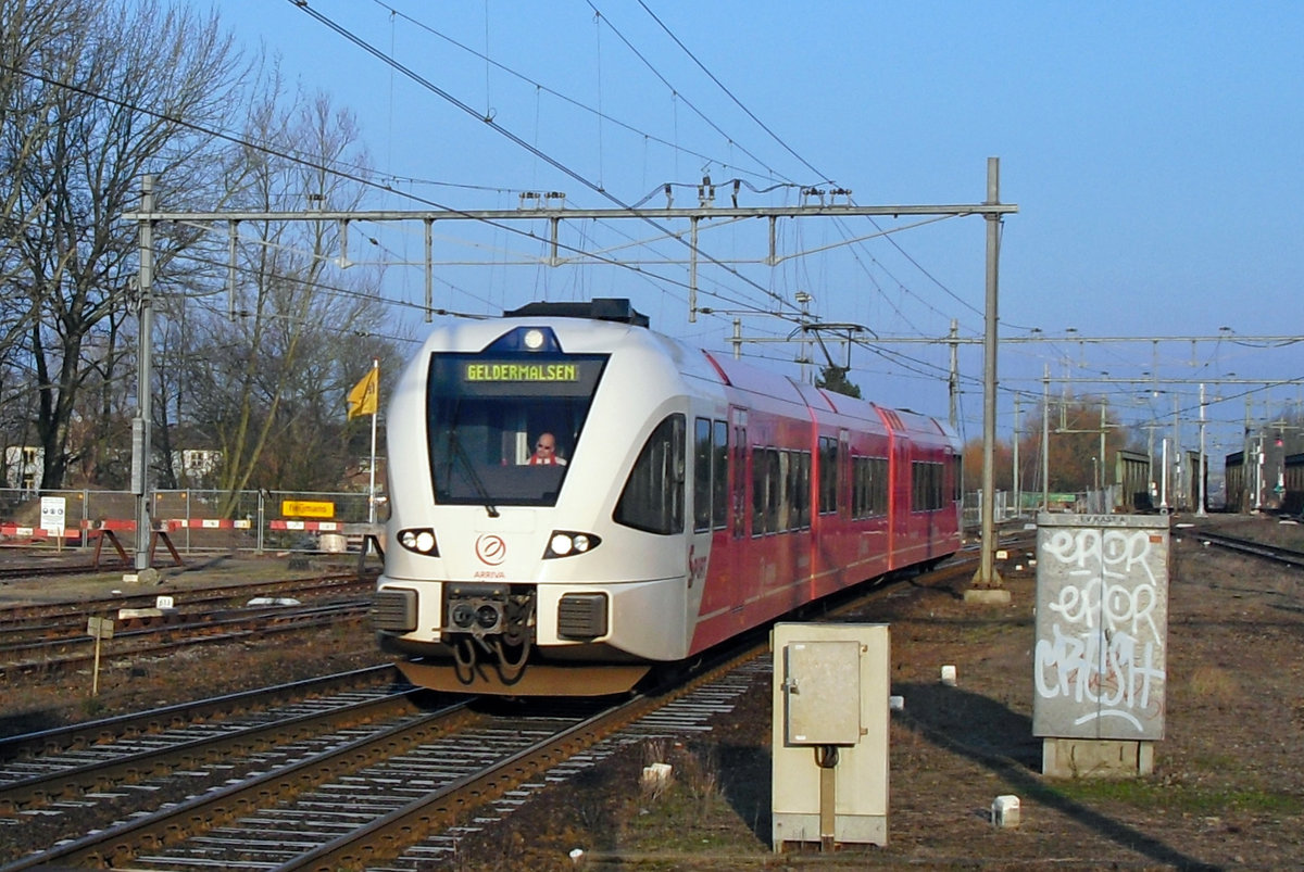 On 2 January 2020 Arriva 501 enters Geldermalsen with a train from Dordrecht.