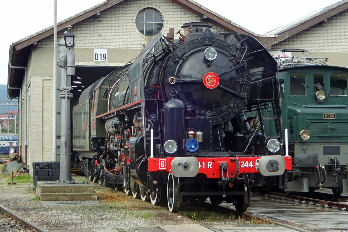 On 26 May 2019, ex-SNCF 141 R-1244 stands in Brugg during an Open Weekend, organised by the Verein Mikado 1244 -steam engines with 1D1/484 axles settings are called Mikado; the Japanese railways being the first to order such locos at the end of the 19th century. MIkado is one of the formal titles of the Emperor of Japan.