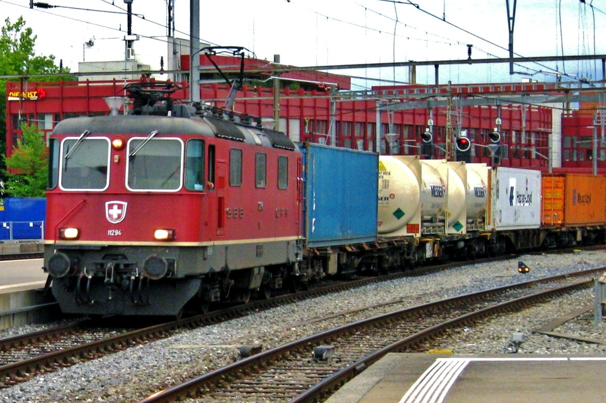 On the evening of 23 September 2010 SBB 11294 hauls an intermodal service through Thun.