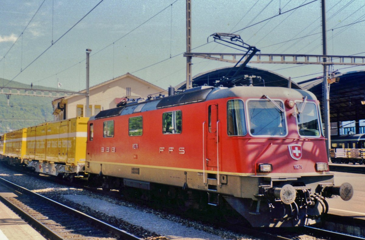 Postal train with 11278 runs through Sargans on 17 June 2001.