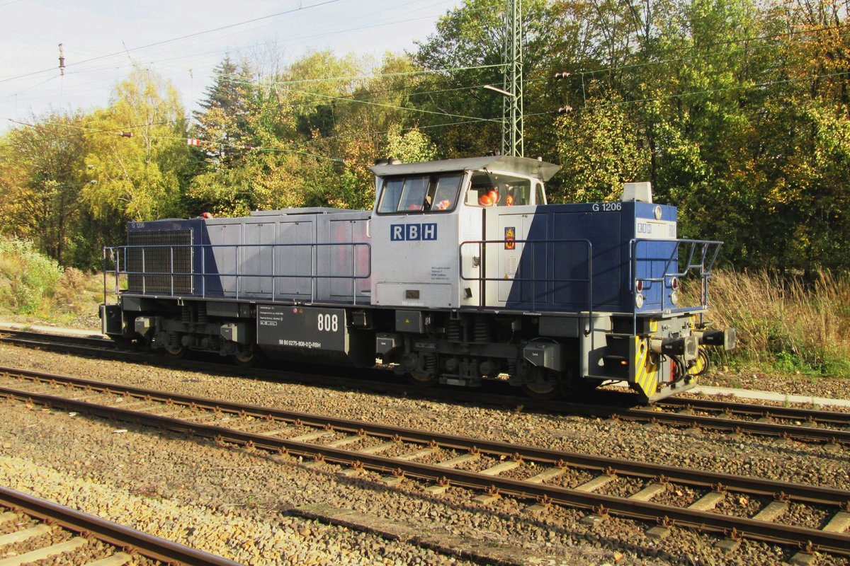 RBH 808 stands at Recklinghausen Hbf on 31 October 2013.