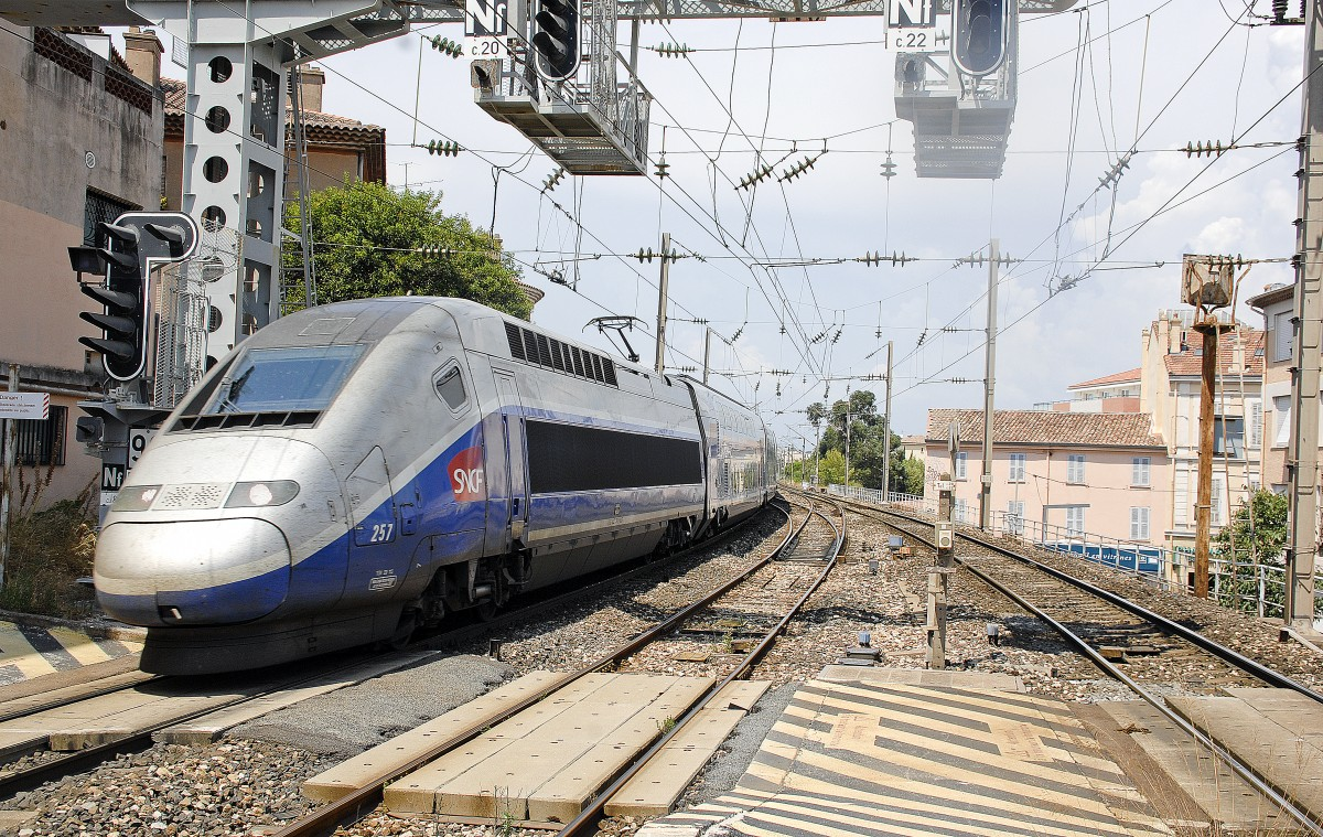 SNCF TGV POS fast train in Saint-Raphäel. Date: 20. July 2015.